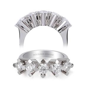 Mücevher Dünyası - HRD Sertifikalı 0,45 Karat Pırlanta Beştaş Yüzük