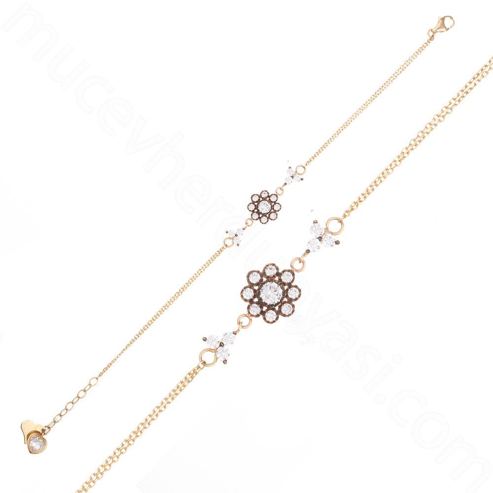 Mücevher Dünyası - 14 Ayar Altın Çiçek Desenli Taşlı Bileklik - 18,5 Cm.
