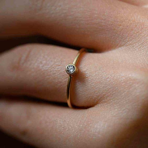 Mücevher Dünyası - 14 Ayar Beyaz Taşlı Altın Yüzük | Mücevher Dünyası