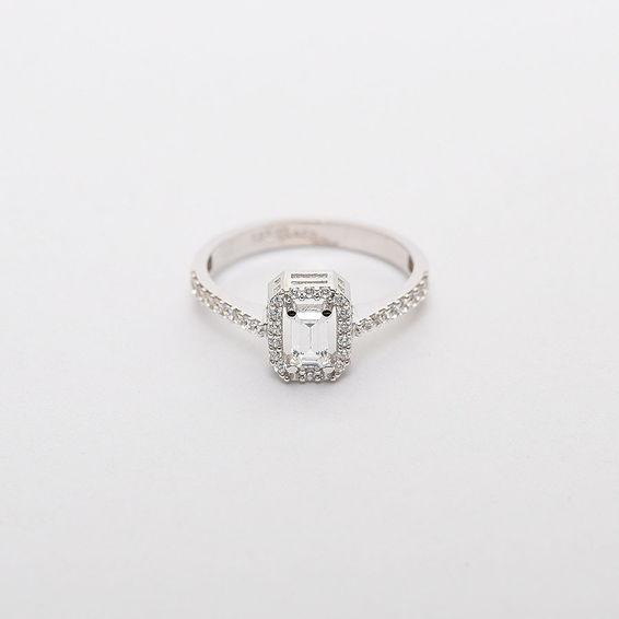 Mücevher Dünyası - 14 Ayar Taşlı Baget Altın Yüzük | Mücevher Dünyası