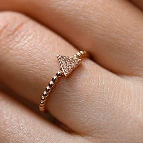 Mücevher Dünyası - 14 Ayar Taşlı Üçgen Altın Yüzük | Mücevher Dünyası