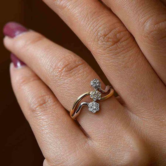 Mücevher Dünyası - 14 Ayar Üç Çiçekli Taşlı Altın Yüzük | Mücevher Dünyası