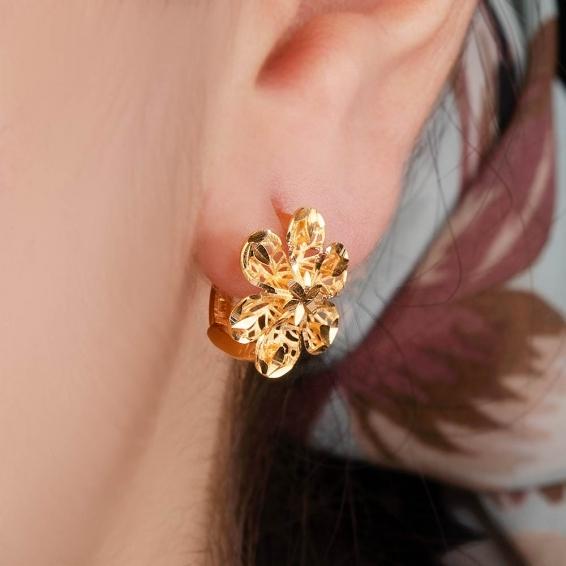 Mücevher Dünyası - 22 Ayar Altın Çiçek Desenli Küpe - 3,76 Gr.