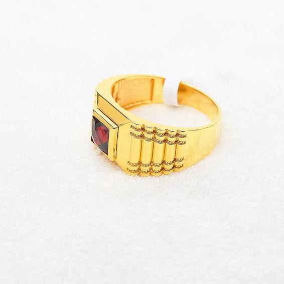 Mücevher Dünyası - 22 Ayar Kırmızı Taşlı Erkek Altın Yüzük - 9,35 Gr.