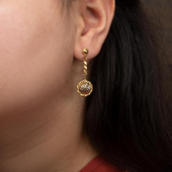 Mücevher Dünyası - 22 Ayar Sallantılı Kabartma Altın Küpe - 3,04 Gr.