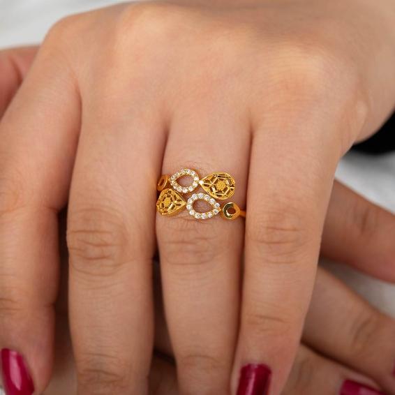 Mücevher Dünyası - 22 Ayar Taşlı Damla Desenli Altın Fantezi Yüzük - 2,82 Gr. - 17