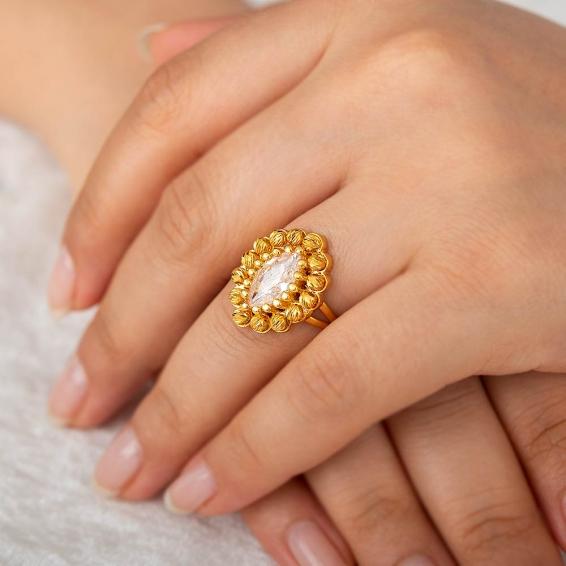 Mücevher Dünyası - 22 Ayar Marquise Taşlı Dorika Altın Fantezi Yüzük - 7,49 Gr. - 17