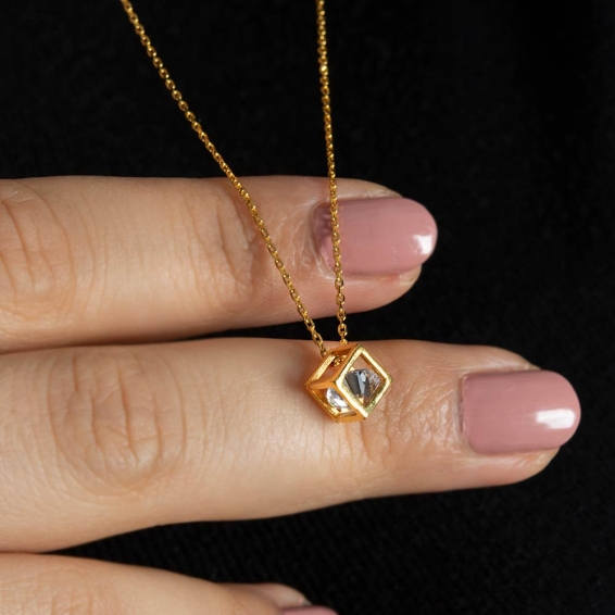 Mücevher Dünyası - 22 Ayar Taşlı Küp Kolye - 2,91 Gr.