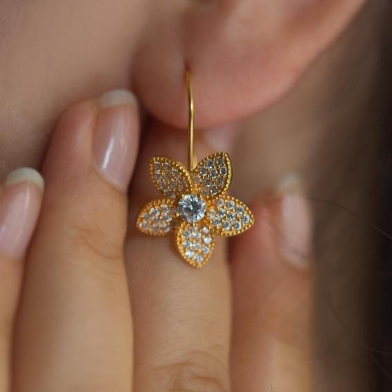 Mücevher Dünyası - 22 Ayar Taşlı Papatya Altın Küpe - 6,05 Gr.